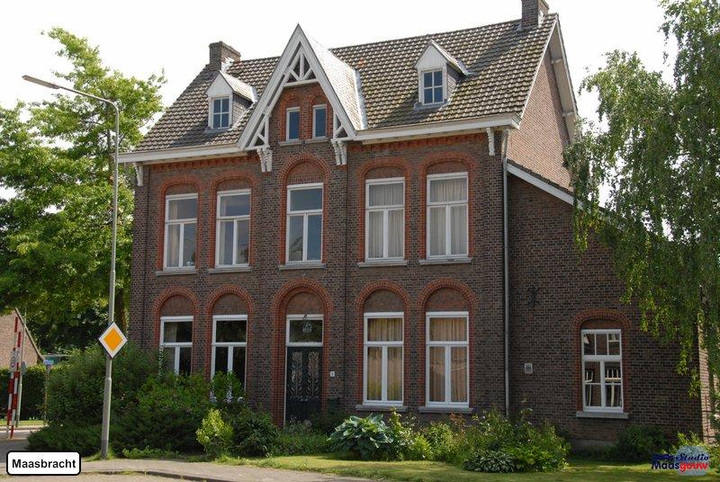 maasbracht-gebouwen-200905005