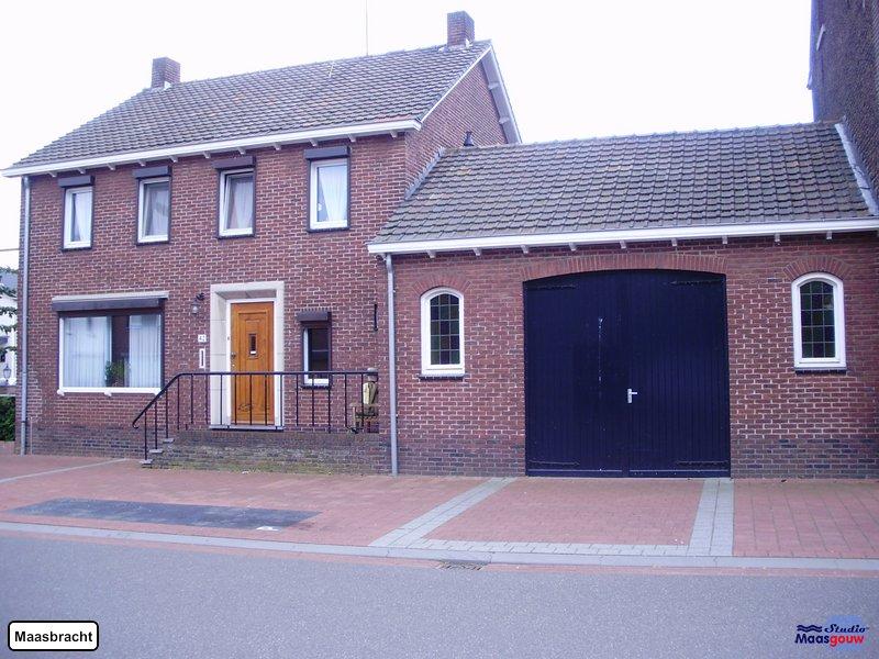 maasbracht-gebouwen-200906006