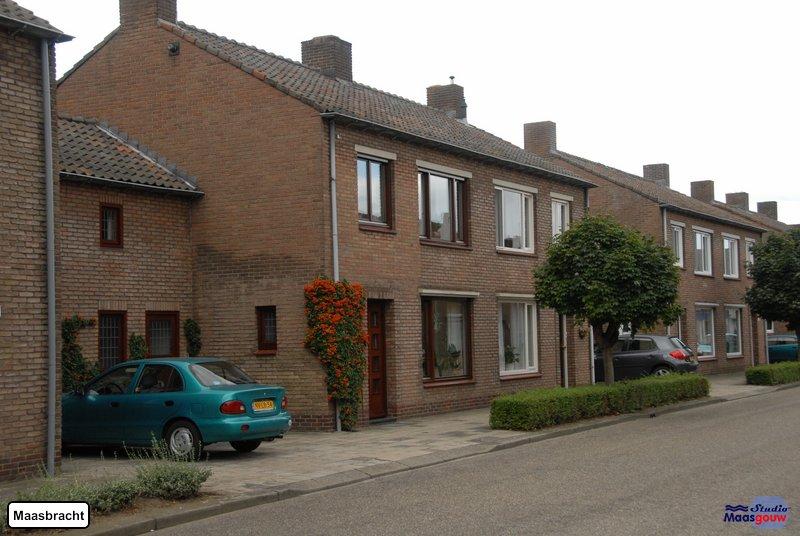 maasbracht-gebouwen-200908077