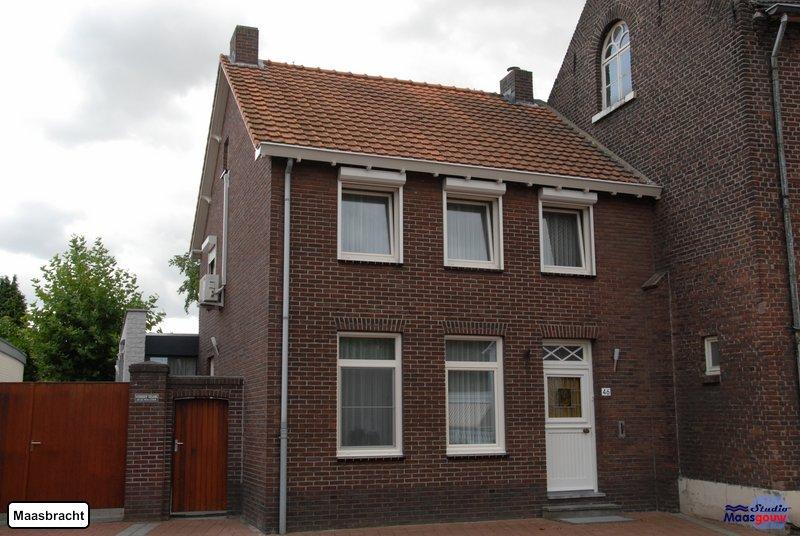 maasbracht-gebouwen-200908124