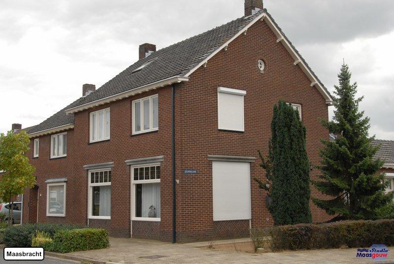 maasbracht-gebouwen-200908238