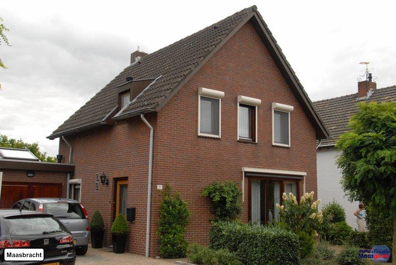 maasbracht-gebouwen-200908244