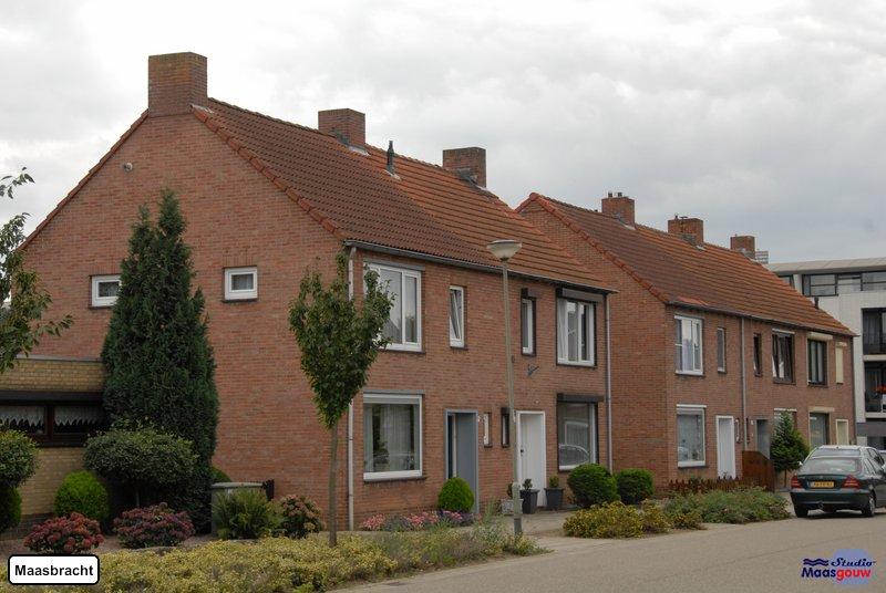 maasbracht-gebouwen-200908248