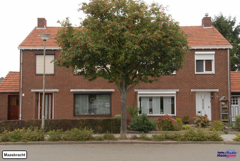 maasbracht-gebouwen-200908300