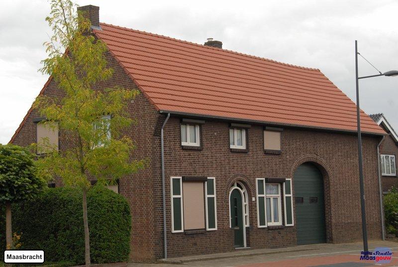 maasbracht-gebouwen-200908325