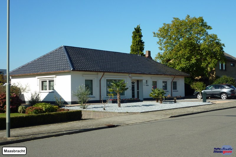 maasbracht-gebouwen-20111016009