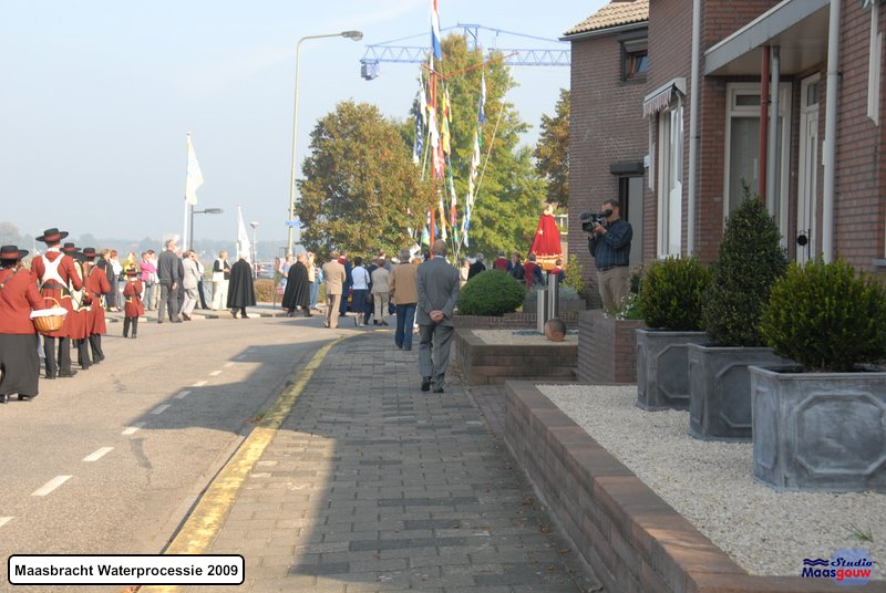 maasbracht-waterprocessie-200910050