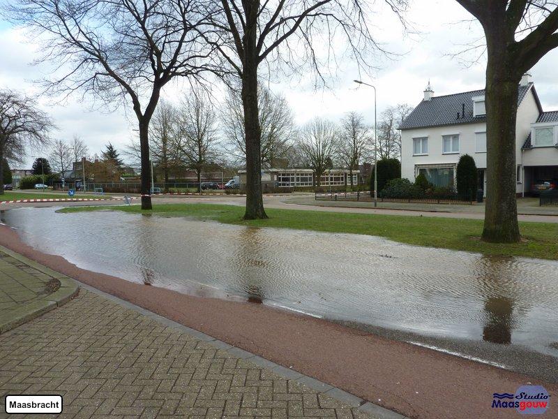 Maasbracht, Echterstraat onder water